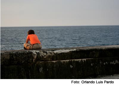 mujer_muro_malecon