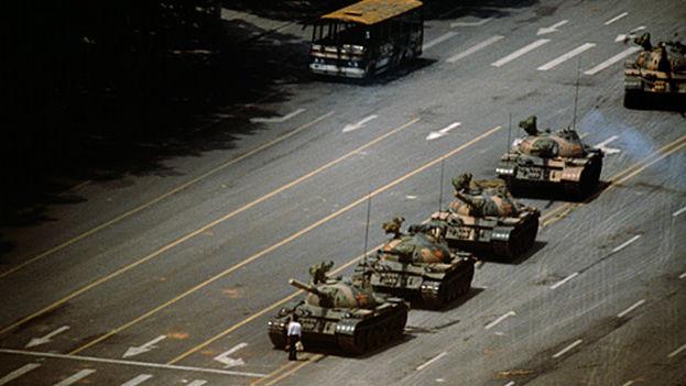 internacionalmente-conocido-tanques-revuelta-Tiananmen_CYMIMA20140930_0007_13