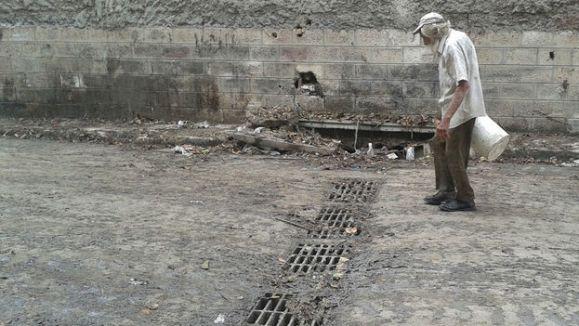 alcantarillado-lodazal-generado-lluvias-Habana_CYMIMA20150501_0005_17