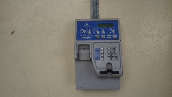telefono-auricular-arrancado_CYMIMA20150930_0006_13