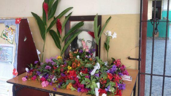 Flores-Camilo-Cienfuegos-municipio-Plaza_CYMIMA20151028_0012_16