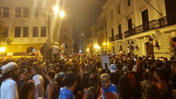 manifestantes-dimision-Ricardo-Rosselllo-Jaramillo_CYMIMA20190725_0003_17